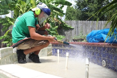 pool tile cleaning by dustless blasting direct